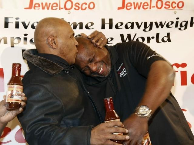 Heute sind sich Tyson und Holyfield gut gesinnt.