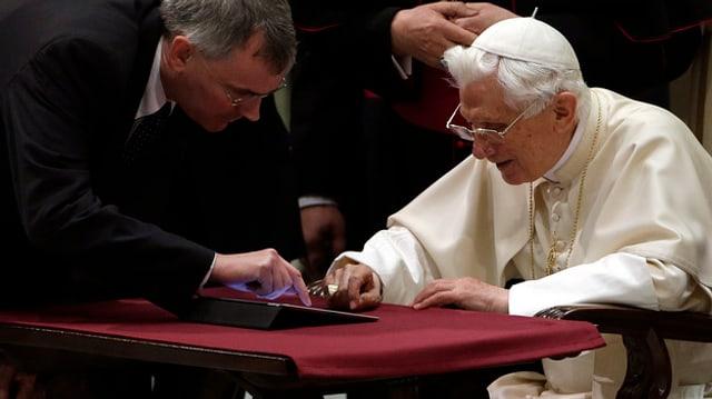 Papst Benedikt setzte seine Tweets als @pontifex ab.
