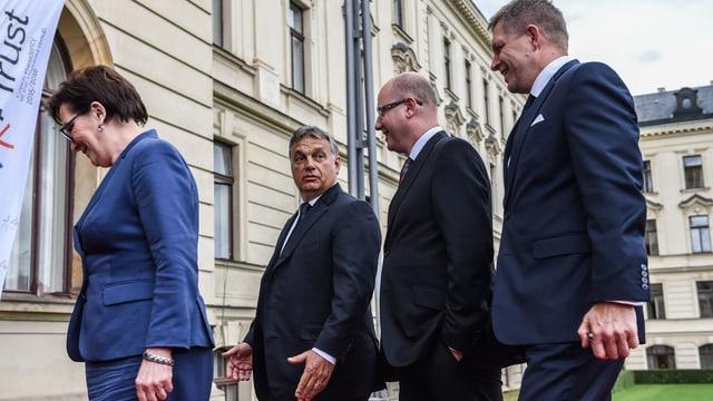 Visegrad-Premierminister (v.l.n.r.): Ewa Kopacz (Polen), Viktor Orban (Ungarn), Bohuslav Sobotka (Tschechien) und Robert Fico (Slowakei).