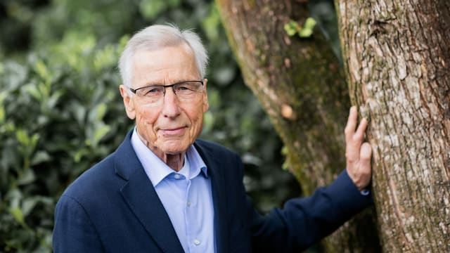 Clement litt an Lungenkrebs. Er ist mit 80 Jahren im Kreis seiner Nächsten gestorben.
