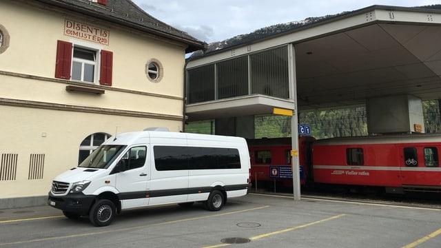 Gia uss fa Daniel Schmid servetschs per la Viafier Matterhorn Gotthard