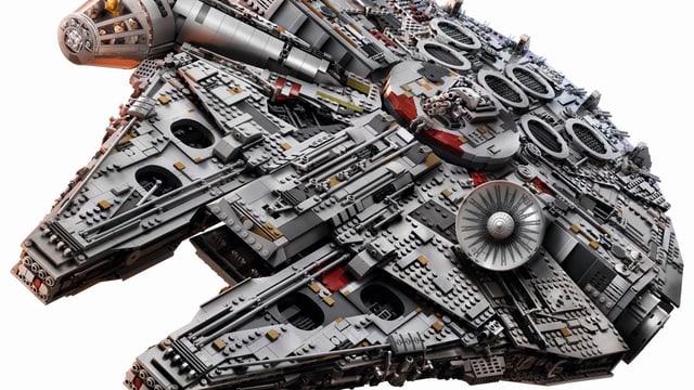 Modell des Millenium Falcon.