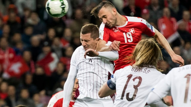 Josip Drmic fa in bellezza goal cun il chau.