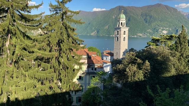 Blick vom Bahnhof Lugano Richtung See.