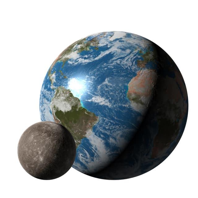 Der Merkur im Vergleich zur Erde.