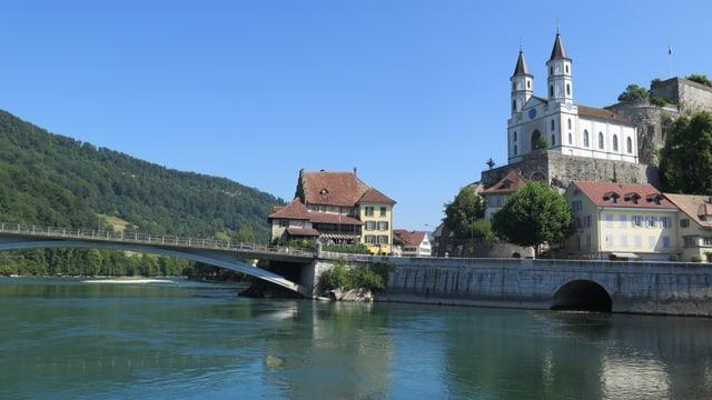 Blick auf Aare, Brücke und Festung