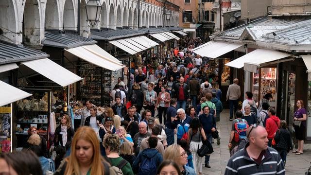 Menschenmassen in Venedig.