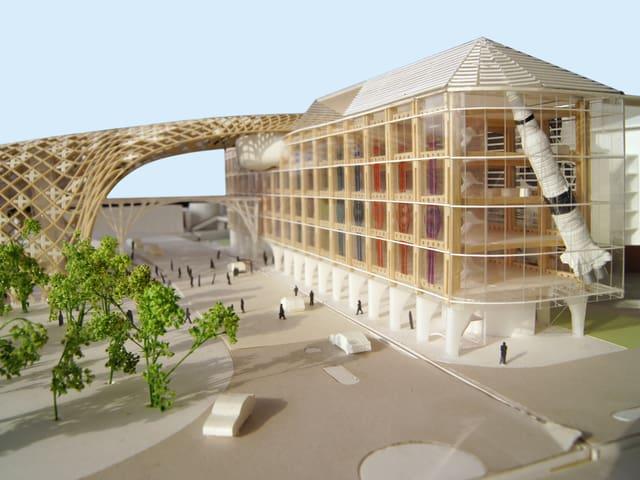 Modell des neuen Hauptgebäudes mit Holzstruktur der Swatch Group in Biel.