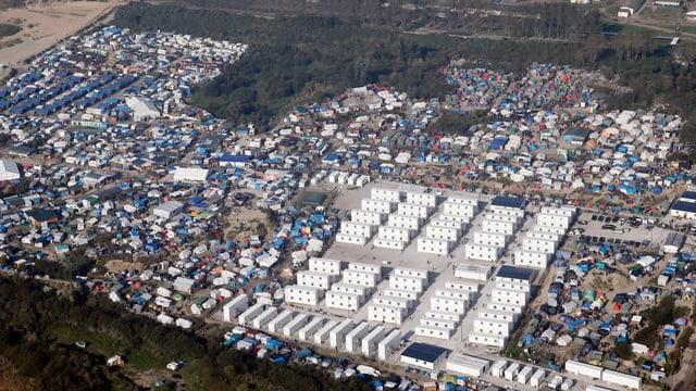Flüchtlingscamp aus der Luft betrachtet