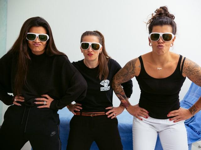 Mit den Laser-Brillen und den Schwestern kann man auch gut Quatsch machen. I like. <3