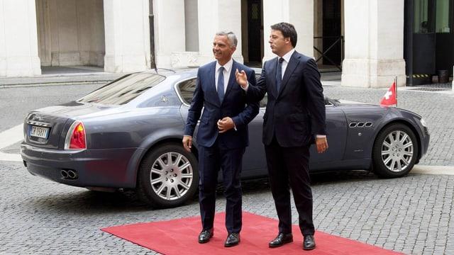Ankunft von Didier Burkhalter. er und Matteo Renzi begrüssen sich