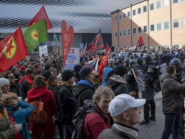 Demonstration auf Platz