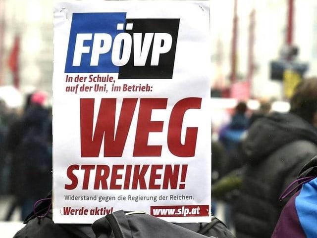 Slogan: «FPÖVP wegstreiken»