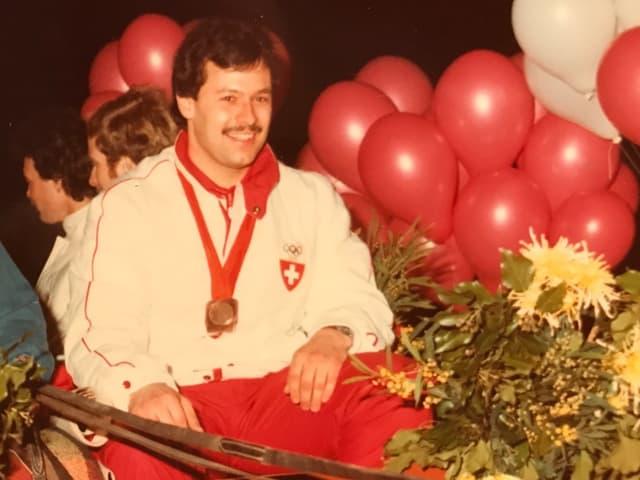 Rico Freiermuth in jungen Jahren, mit seiner Olymia-Bronzemedaille.
