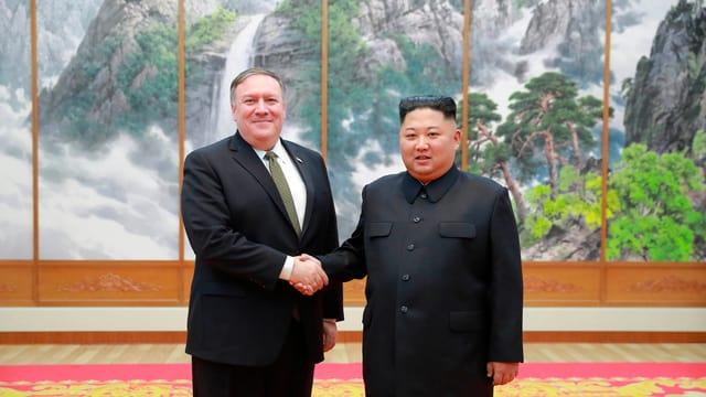 Mike Pompeo e Kim Jong Un.