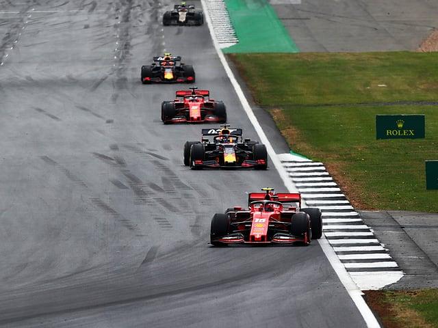 Formel-1-Autos in Silverstone.