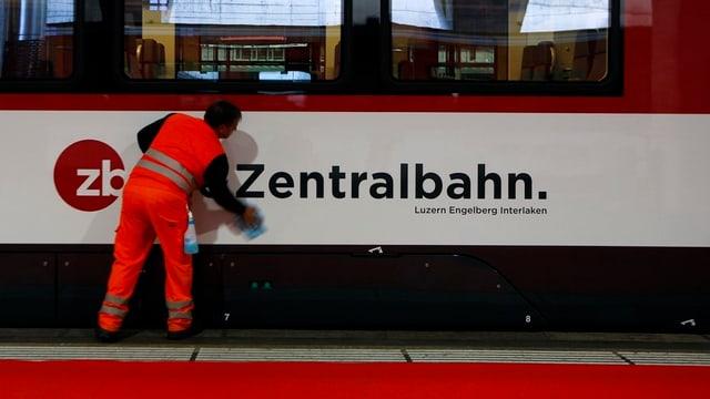 Ein Zugwagen der Zentralbahn.