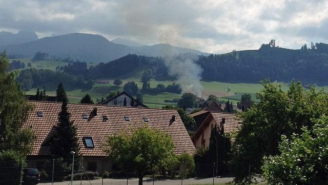 Rauchsäule über Riggisberg