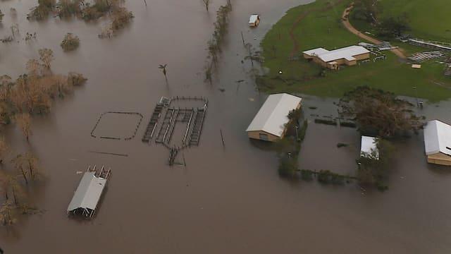 Überschwemmungen bei Bowen in einer Luftaufnahme.