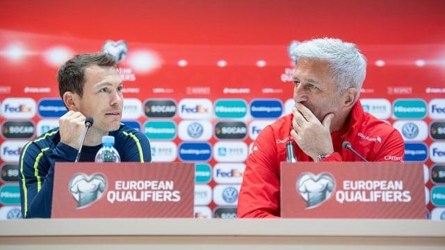 Stephan Lichtsteiner e Vladimir Petkovic.