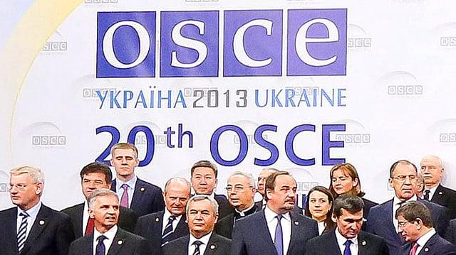 Gruppenbild anlässlich der 20. OSZE-Konferenz in der Ukraine.