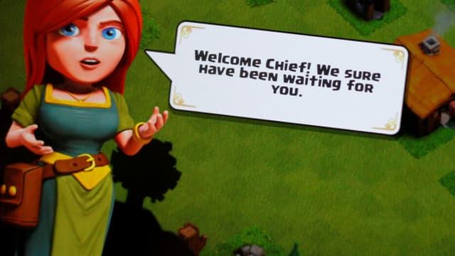 Screenshot aus dem Game. Ein Frau mit Sprechblase: «Welcome chief! We sure have been waiting for you.»