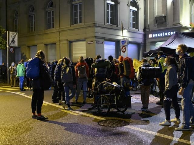 Demonstranten verlassen freiwilligen den Bundesplatz