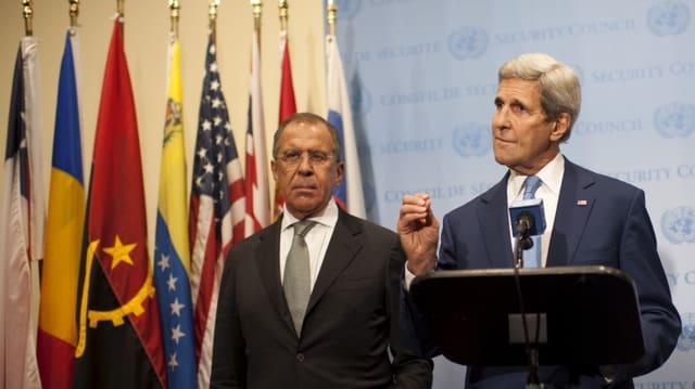 Il minister da l'exteriur american John Kerry e ses collega d'uffizi russ Sergej Lawrow.