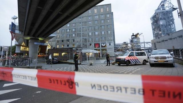 Acziun da polizia sin areal a Rotterdam.