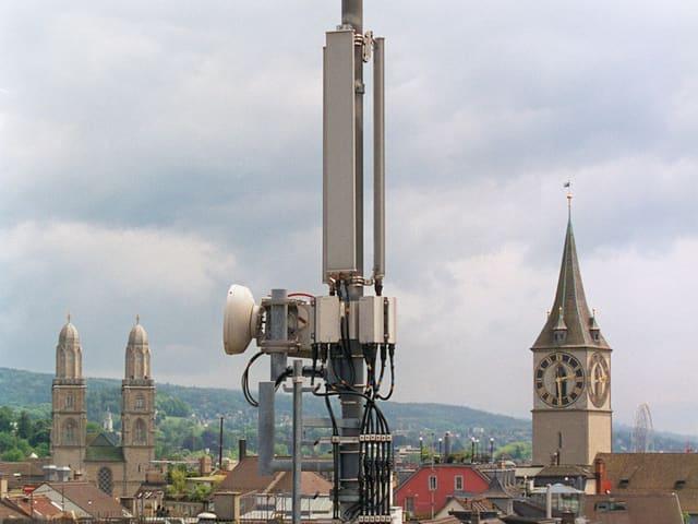 Handy-Mast in der Stadt Zürich.