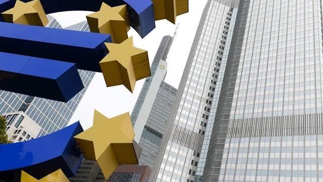 Euro simbolic avant sgrattatschiels.