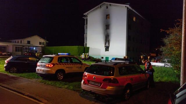 Mehrfamilienhaus mit Brandschaden.