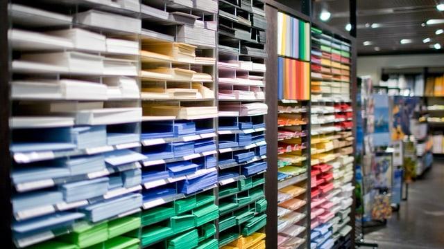 Farbiges Papier.
