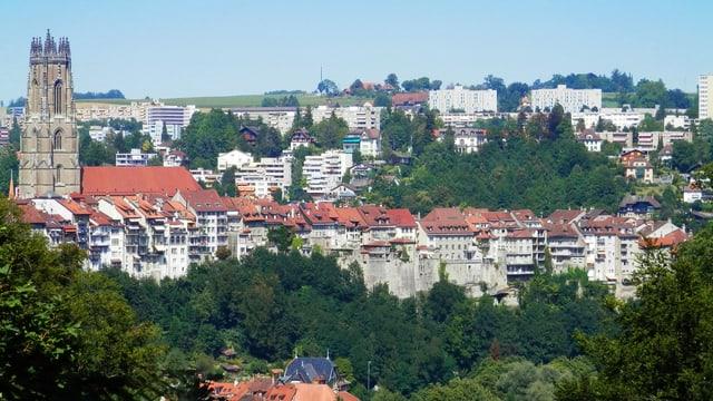 Die Kathedrale und das Schönberg-Quartier.