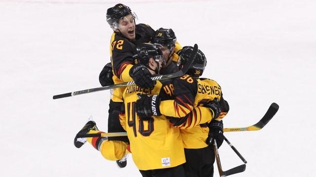 Giugaders da hockey da la Germania.