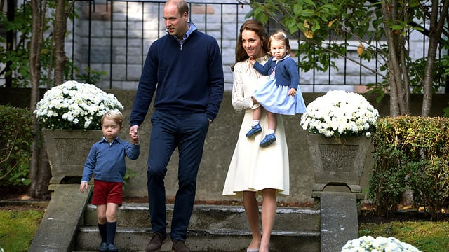 Williame, kate cun lur uffants £George e Charlotte.