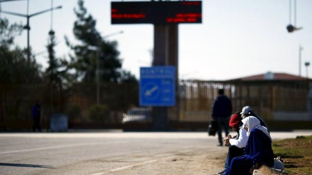 Grenzübergang zwischen Syrien und der Türkei: Für Syrer wird die Flucht ins Ausland immer schwieriger