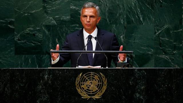 Bundespräsident Burkhalter spricht vor der UNO-Vollversammlung in New York.