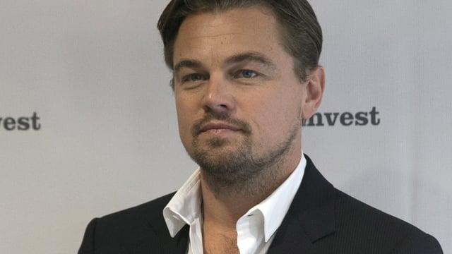 Leonardo DiCaprio im Anzug.