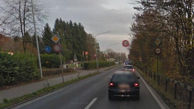 Muss dringend saniert werden: Die Wehntalerstrasse zwischen Zürich-Affoltern und Regensdorf.