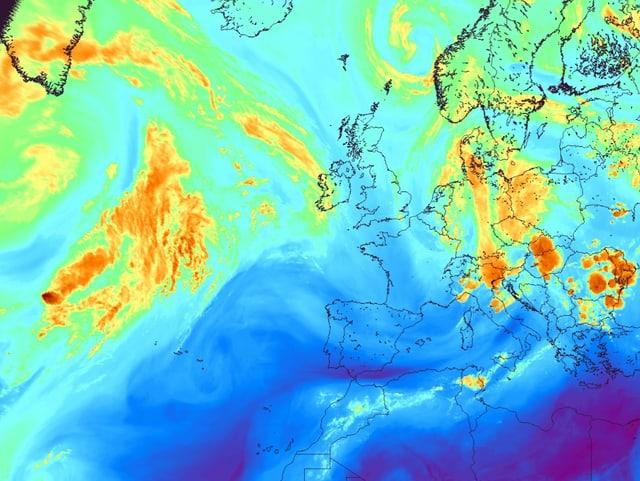Farbiges Wasserdampf Satelittenbild von Europa.