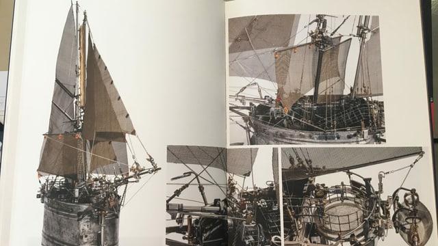 Bilder aus einem Buch, zu sehen ist das Modell eines Segelschiffs, aus altem Metall gefertigt.