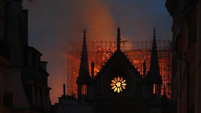 Brand bei Notre-Dame