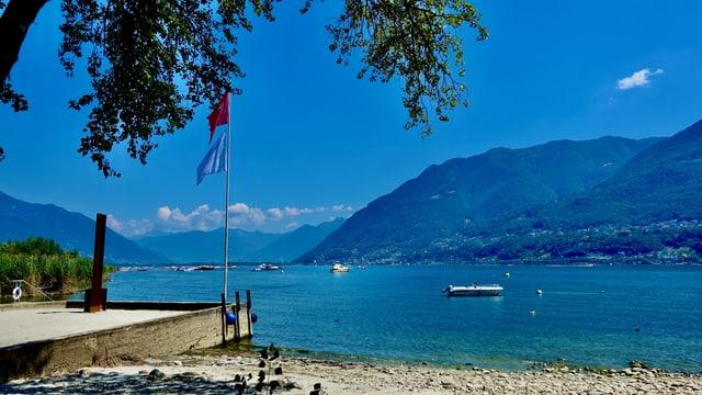 Blick vom Maggiadelta über den Lago Maggiore.