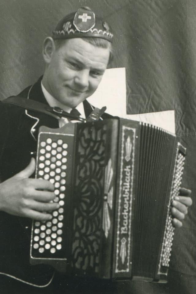 Lorenz Giovanelli auf einer undatierten Schwarz-Weiss-Aufnahme.