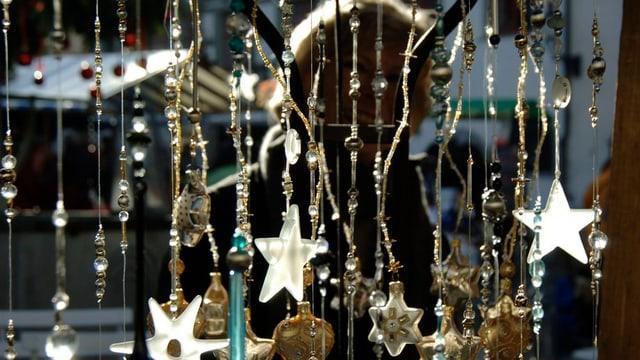29 expositurs èn il 21 da november cun lur rauba a la fiera da Nadal a Sedrun.