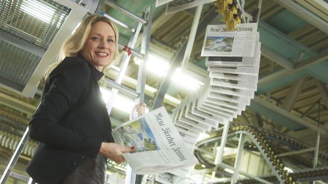 Video «Mit Eva Wannenmacher in der Zeitungsdruckerei» abspielen
