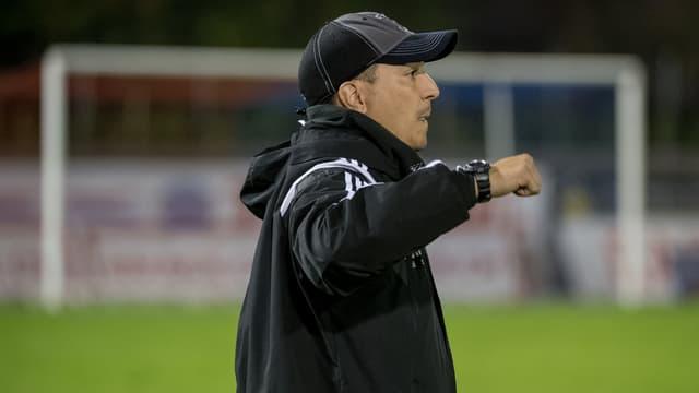 FC Wohlen Trainer Francesco Gabriele am Spielfeldrand