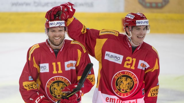 Gagnon (l.) jubelt mit Teamkollege Kuonen.