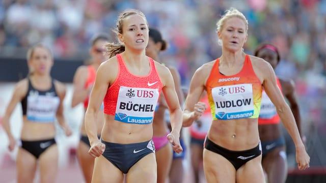 Las atletas Selina Büchel e Molly Ludlow
